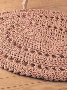 "Work this rug up quickly using 6mm craft cord and a size Q hook. Size: 28 1/2"" x 36 1/2"".Skill Level: Beginner"