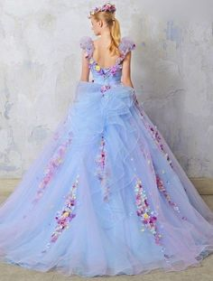 It's so beautiful, like a fairy princess gown lol