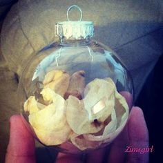 A Wife's Life: Wedding Petal Ornament (Unique way to preserve your wedding bouqet!)