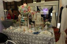 Stand Expo novia 2013 decorado con artículos de Alquibodas! Vk Wedding Planner. Decoración Vintage