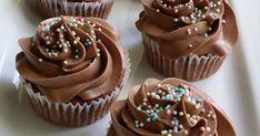 Leivoin tänään töissä mokkapalamuffinsseja, ja olivatpa aivan ihania! ♥ Reseptin näihin muffinsseihin nappasin Pullahiiren leivon...