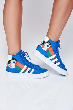 Comanda online, Pantofi sport Adidas originals courtvantage albastru cu siret cu print. Articole masurate, calitate garantata! Adidas Originals, Back To School, High Tops, High Top Sneakers, Casual, Sports, Beauty, Fashion, Hs Sports