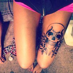 skull tattoo design, skull thigh tattoos and rose thigh tattoos. Skull Thigh Tattoos, Upper Leg Tattoos, Girl Leg Tattoos, Tattoo Thigh, Trendy Tattoos, Sexy Tattoos, Body Art Tattoos, Tattoos For Women, Tattoo Ink