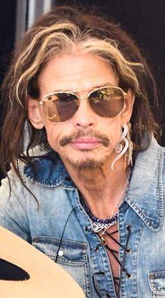Steven Tyler Aerosmith, Rock Bands, Mens Sunglasses, People, Men's Sunglasses, People Illustration, Folk