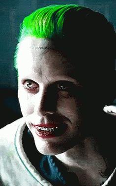 "Jared Leto as the Joker in ""Suicide Squad"" Der Joker, Joker And Harley Quinn, Kings & Queens, Jared Leto Joker, Fangirl, Gifs, Captain Jack Sparrow, Dc Movies, The Villain"