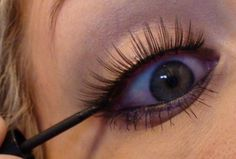 Guide to fake eyelashes- good tips in this one!