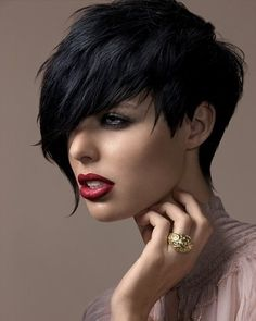 Love this style of black hair complimented with the perfect dark makeup combo x