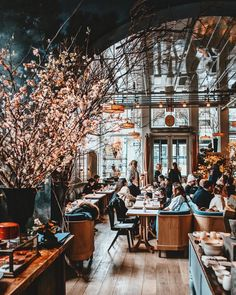 NYC - my favorite city. Bistro Interior, Restaurant Interior Design, Cafe Interior, Deco Design, Cafe Design, Commercial Design, Commercial Interiors, Nyc Coffee Shop, Cafe Style