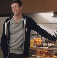 Barry Allen Flash, Berry Allen, Chris Andersen, The Cw Tv Shows, Arrow Cast, The Flash Grant Gustin, Fastest Man, Supergirl And Flash, Lightning Bolt
