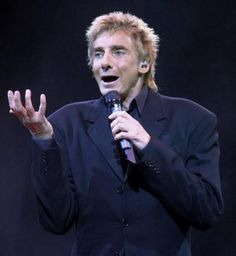 Barry Manilow 2004 in phoenix arizona photo by jeff topping getty images
