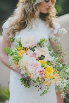 tropical inspired bouquet, photo by Two Foxes Photography, styling by E Events Co http://ruffledblog.com/tropical-july-4th-styled-wedding #weddingbouquet #flowers