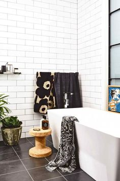 Gravity Home: Black And White Bathroom In An Industrial Loft Style Apartment Modern White Bathroom, White Bathroom Tiles, Laundry In Bathroom, White Tiles, Minimal Bathroom, Grey Tiles, Simple Bathroom, Washroom, Beautiful Bathrooms