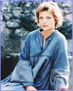 "Michelle Pfeiffer (Isabeau d'Anjou) in the 1985 film ""Lady Hawk"" -- Magnificent movie! Michelle Pfeiffer, I Movie, Movie Stars, Belle Nana, Beautiful People, Beautiful Women, Stunningly Beautiful, Cinema, Hollywood"