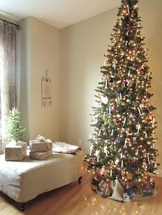 christmas tour 2012 12 ft very slim tree shortened by removing bottom section new - Slim Christmas Tree Decorating Ideas