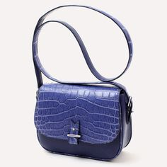 82817891dd70 14 Best Leather bags for women images