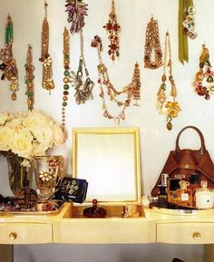 I love the way the jewlery hangs above the vanity