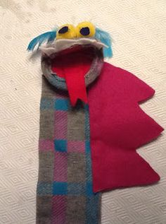 Art Intertwine: Sea Monster Sock Puppets for art camp