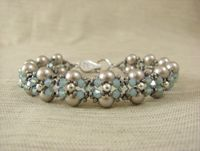 Create this vintage inspired bracelet in our Crossweave class!