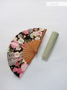 Fächer aus Holz mit japanischem Blumenmuster, Accessoire Sommer / summerly fan with japanese floral pattern made by Olelé via DaWanda.com