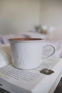 CHÁ NO MEU DIA-A-DIA E UM POUCO DE ASMR – Serendipity    https://melinasouza.com/2018/02/24/cha-no-meu-dia-a-dia-e-um-pouco-de-asmr/      #melinaSouza  #Serendipity  #Peanuts #Snoopy #caneca  #mug  #Tea #Chá  #livro  #book  #bookaddict   #booklover