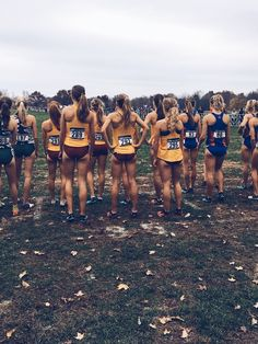 Running Pictures, Track Pictures, Sports Pictures, Cross Country Motivation, Cross Country Running, I Hate Running, Running Tips, Steve Prefontaine, Cross County