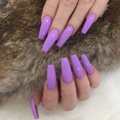 Here comes one among the best nail art style concepts and simplest nail art layout for beginners. Enjoy in Photos!