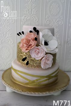 Moderna svadbena torta #svadba #torta #mladenacka #vencanje #weddingcake #cake #wedding #svadbenatorta #mladenackatorta