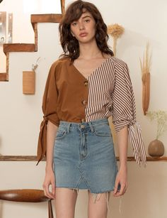 Pixie Market Stripe Two Tone Shirt - S Brown Minimal Fashion, Retro Fashion, Korean Fashion, Internship Fashion, Stylish Clothes For Women, Couture Tops, Blouse Designs, Blouses For Women, Casual Outfits
