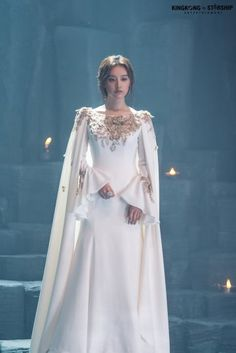 [Kim Jiwon] Tanya is back! Ball Dresses, Bridal Dresses, Ball Gowns, Evening Dresses, Prom Dresses, Formal Dresses, Pretty Dresses, Beautiful Dresses, Muslimah Wedding Dress