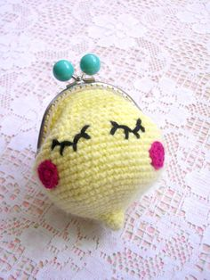 porte-monnaie-citron-crochet-projet-diy Love Crochet, Knit Crochet, Crochet Coin Purse, Kawaii, Bjd Dolls, Monster High, Barbie, Miniatures, Purses