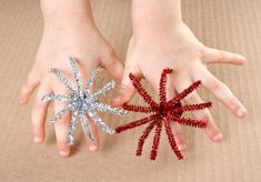 Grab some pipe cleaners and make these easy fireworks rings for New Year's Eve, the Fourth of July, or any other patriotic holidays.