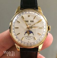 If you look closely you can see how grumpy the moon looks on this über rare 5171 moonphase from Rolex. Well it is #Monday morning