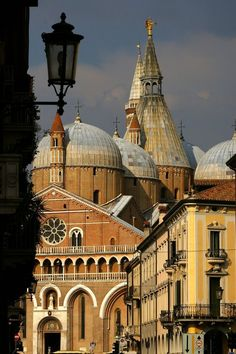 it Padova (Padua), Veneto, Italy Saint Antony'S!the church si usuale called THe SAINT Places Around The World, The Places Youll Go, Places To See, Italy Vacation, Italy Travel, Rome Florence, Best Of Italy, Visit Italy, Northern Italy