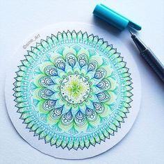 Small, quick and simple mandala! Do you want me to make a tutorial video of these kind of mandalas? ⭐️ _ Drawn with Staedtler Triplus Fineliners . Mandala Doodle, Doodle Art, Mandalas Painting, Mandalas Drawing, Design Mandala, Simple Mandala, Zentangle Patterns, Zentangles, Zen Art