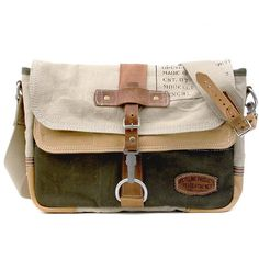 Upcycled Messenger Bag /paul-2037 / made by peace4you, Germany