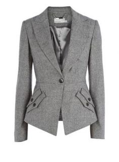 I was looking at blazers a little yesterday in Portland and if I had seen one like this, I would have bought it.