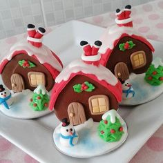 58 ideas for cupcakes christmas decorations gingerbread houses Christmas Cupcake Cake, Christmas Cupcakes Decoration, Christmas Cake Designs, Christmas Cake Topper, Christmas Sweets, Christmas Cookies, Fun Cupcakes, Cupcake Cakes, Christmas Gingerbread House