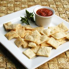 Homemade Parmesan Garlic 'Cheezits'.  Want to try this w/ almond flour