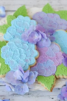 Gorgeous Hydrangea Cookies - glorioustreats.com