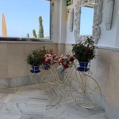 Best Resorts, Spain, Wreaths, Home Decor, Decoration Home, Door Wreaths, Room Decor, Deco Mesh Wreaths, Interior Design