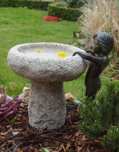 #Vogeltränke #Granit #Bronzekind #Gartenfigur #Gartendekoration Bronze, Bird, Outdoor Decor, Home Decor, Granite Counters, Sculptures, Decoration Home, Room Decor, Birds