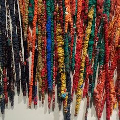 Sheila Hicks's bamboo sticks dressed with fabric - between ancient weaving techniques and advanced textile technology (The Treaty of… Weaving Textiles, Textile Fabrics, Textile Prints, Textile Art, Fabric Manipulation Techniques, Weaving Techniques, Wrapped Sticks, Sheila Hicks, Bamboo Art