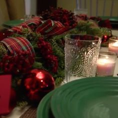 Basic construction paper place settings add a special touch to this Christmas tablescape!