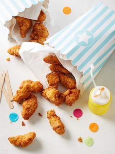 Amerikanische KFC-Style Chicken Tenders, ein schönes Rezept aus der Kategorie Geflügel. Bewertungen: 27. Durchschnitt: Ø 4,4.