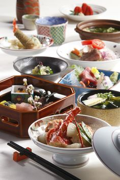 Kaiseki, a multicourse, fine dining, highly-seasonal meal.  via HongKongTatler.com
