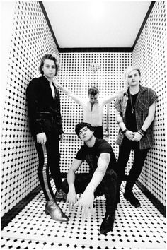 Uploaded by Sxu. Find images and videos about 5sos, 5 seconds of summer and luke hemmings on We Heart It - the app to get lost in what you love.