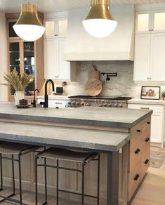 Kitchen Living, Kitchen Decor, Kitchen Design, Kitchen Ideas, Home Renovation, Home Remodeling, House Rooms, Weekend Is Over, Home Kitchens