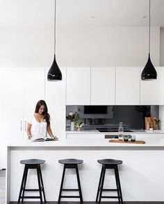 Dulux vivid white cabinetry and smoked mirror splashback Kitchen Mirror Splashback, Black Splashback, Splashback Ideas, Kitchen Interior, New Kitchen, Kitchen Ideas, Kitchen Inspiration, Black Kitchens, Home Kitchens