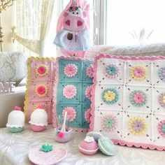 Crochet Cushion Cover, Crochet Cushions, Crochet Pillow, Crochet Baby, Knit Crochet, Granny Square Häkelanleitung, Granny Square Crochet Pattern, Crochet Squares, Crochet Patterns