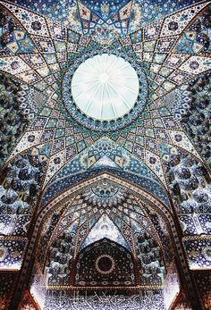 The Islamic art and architecture. Imam Hussein shrine in Karbala, Iraq. 2015 The Islamic art and architecture. Imam Hussein shrine in Karbala, Iraq. 2015 ceilng of the imam hussein shrine, karbala, iraq by Mukhtar Abu Ubaid Ibn al-Thaqafi Art Et Architecture, Mosque Architecture, Beautiful Architecture, Beautiful Buildings, Beautiful Places, Persian Architecture, Renaissance Architecture, Arabesque, Belle Photo